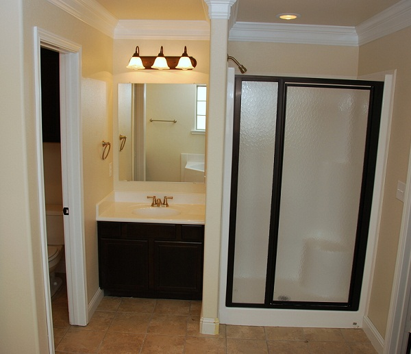 Betenbough Homes Kira Floor Plan Master Bathroom