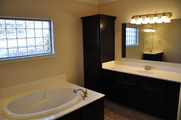 Betenbough Homes Roxann Master Bath