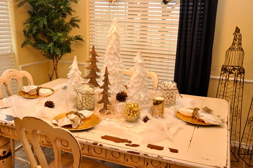 Christmas decorations dining table